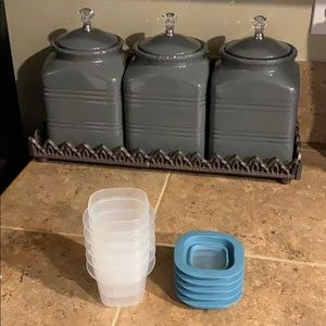 Rubbermaid snack cups with lids